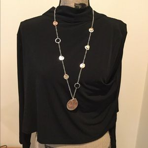 Jewelry - Medallion necklace